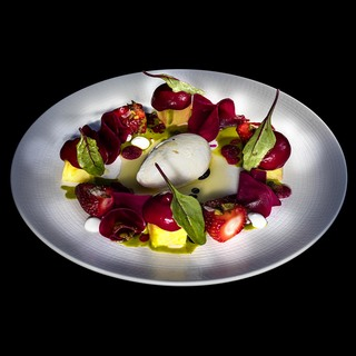 Beetroot and fruit salad with ajoblanco sorbet   photofrancesc