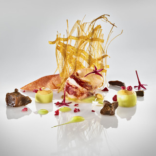 Bogavante con telar de platano y puerro  lobster with intermixed leek and banana